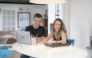 Dos Mundos da dupla de arquitetos Rodrigo Amaral e Carina Pederzoli preza por projetos afetivos