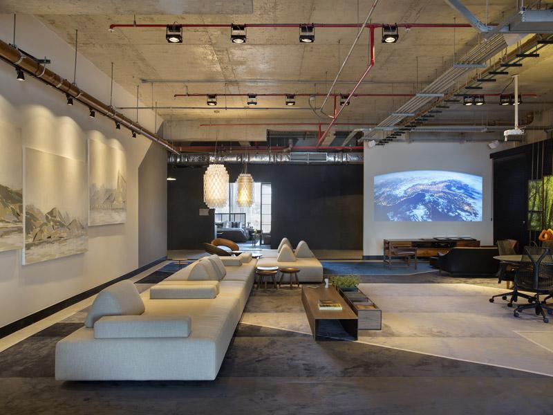 Network Living é o espaço de estreia da designer de interiores Laura Santos