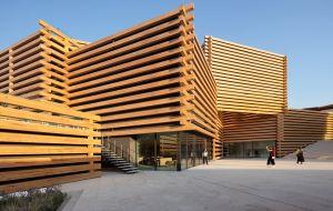 Caixas de madeira empilhadas