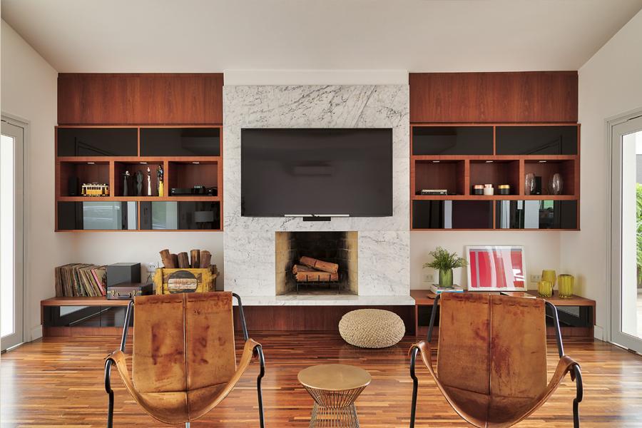 Com a chegada da estação mais fria do ano, invista nas lareiras para aquecer e  adicionar charme aos ambientes